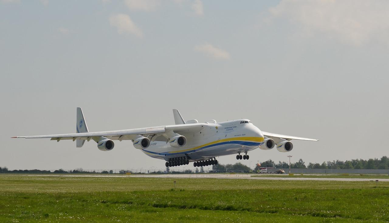 Transporte aéreo mercancías peligrosas Marítima del Estrecho